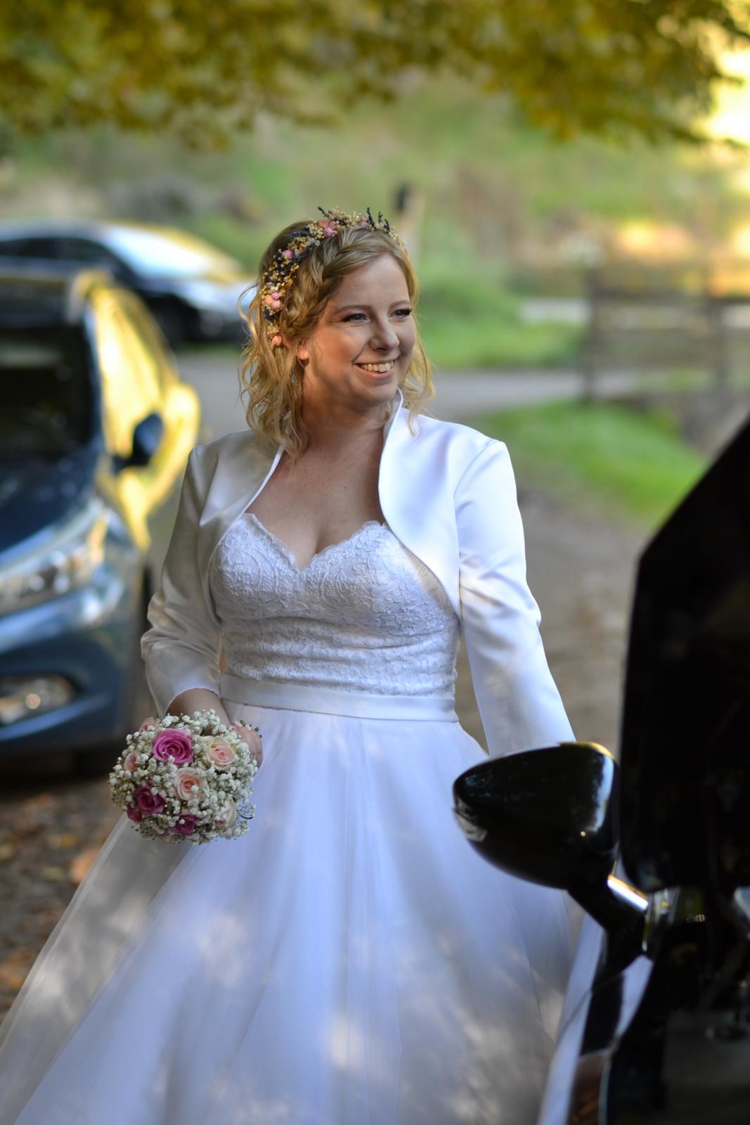 Korzetové svadobné šaty - Obrázok č. 3