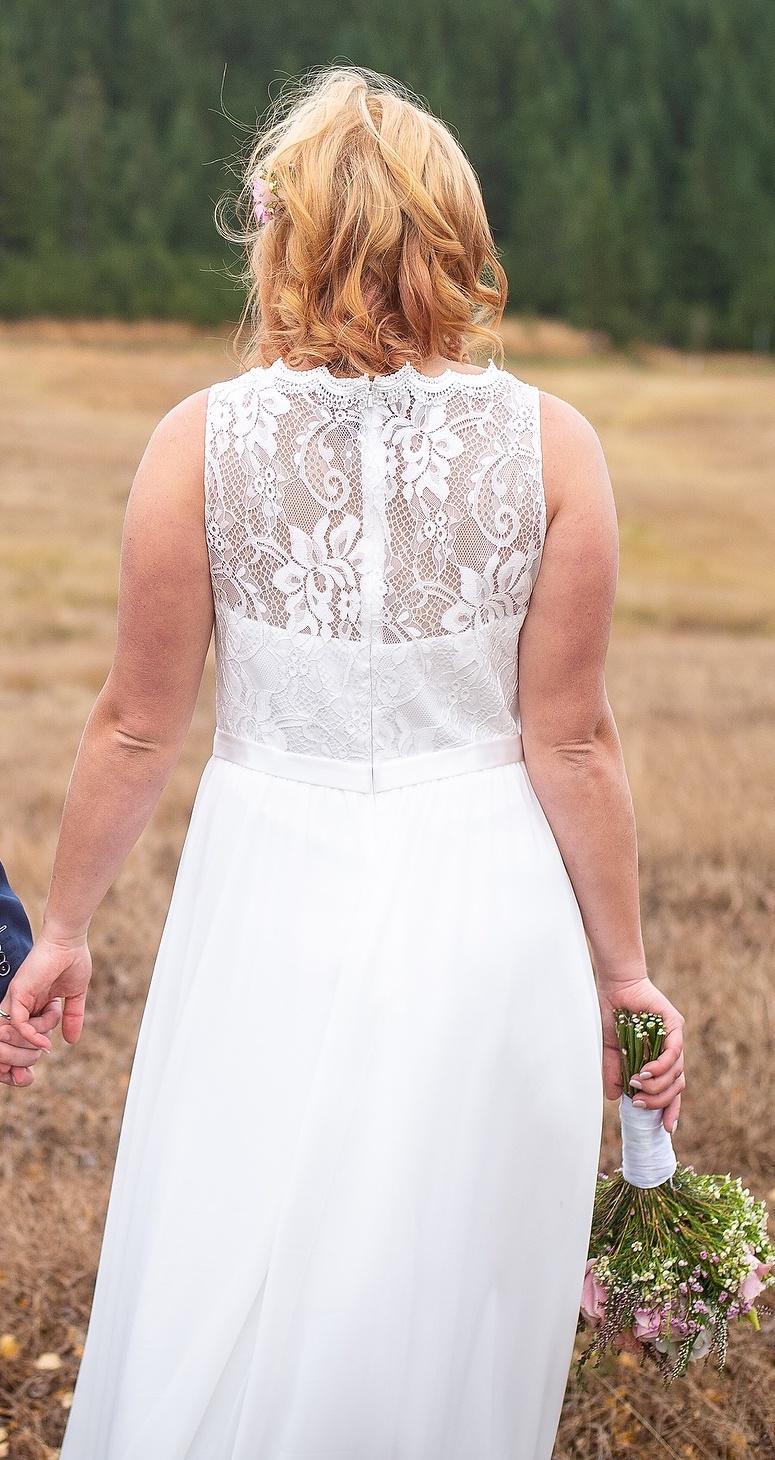 svatební šaty - velikosti 40 (konfekční velikost) - Obrázek č. 1