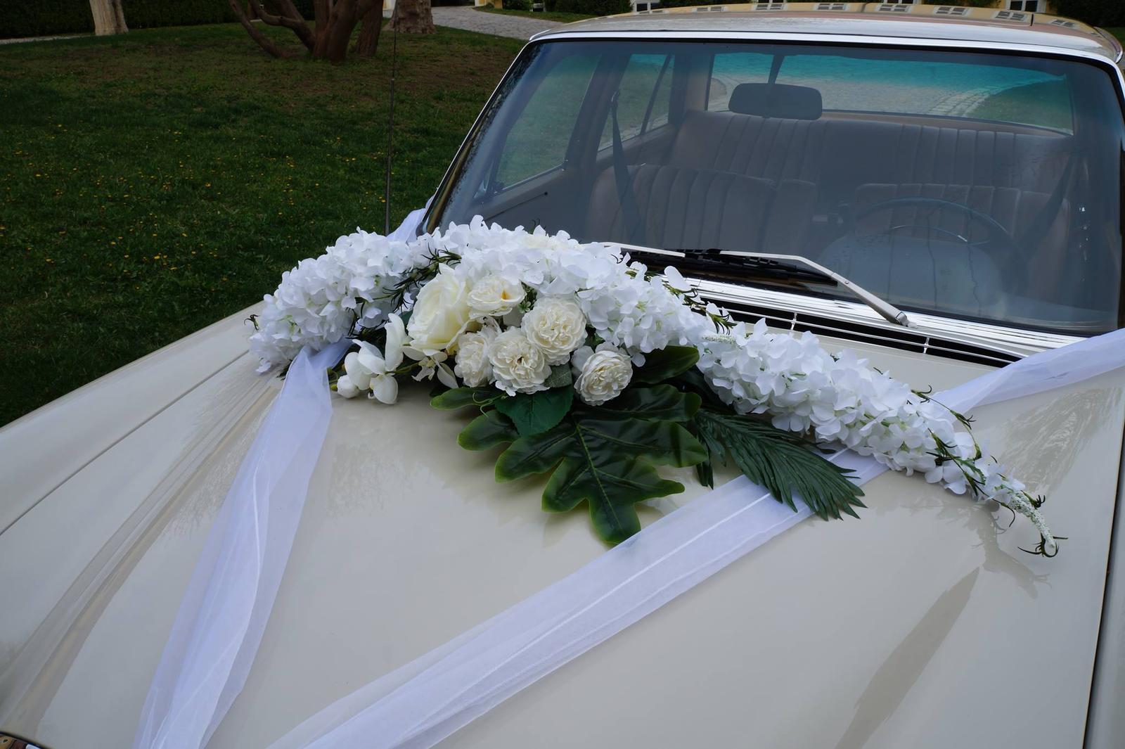 Kvetinové výzdoby - Biela veľká výzdoba