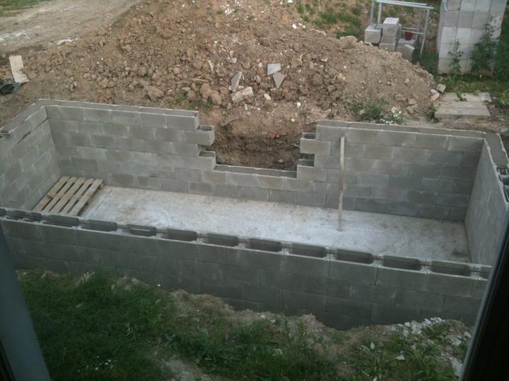 Pokračování našeho stavebního úsilí :)) - 10.7. naše koupaliště..:-)