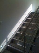 osvětlení schodů, 29. 10.už budme mít hotové nášlapy:)