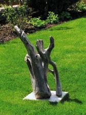 mám ráda dřevo v zahradě, budeme mít 2 velký sochy:-)