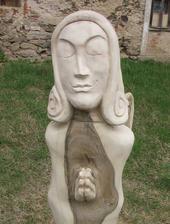 nechala jsem manželovi vytesat na zahradu 1,5 metru vysokou sochu anděla..