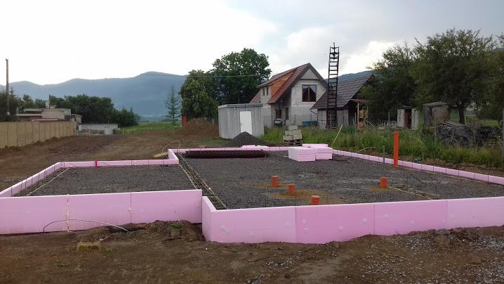 Moderný dom s nádychom slovenskej architektúry - Obrázok č. 23