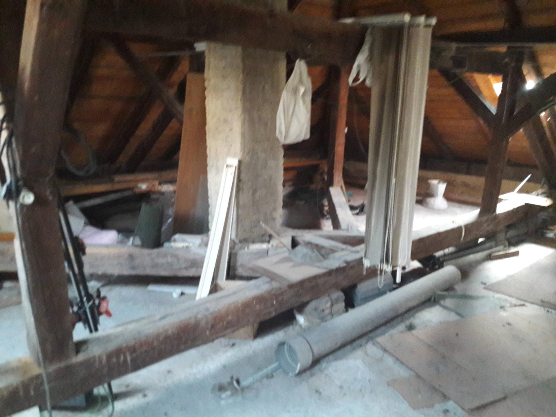 Prestavba podkrovia zo sedlovo valbovej na sedlovú strechu. - Obrázok č. 2