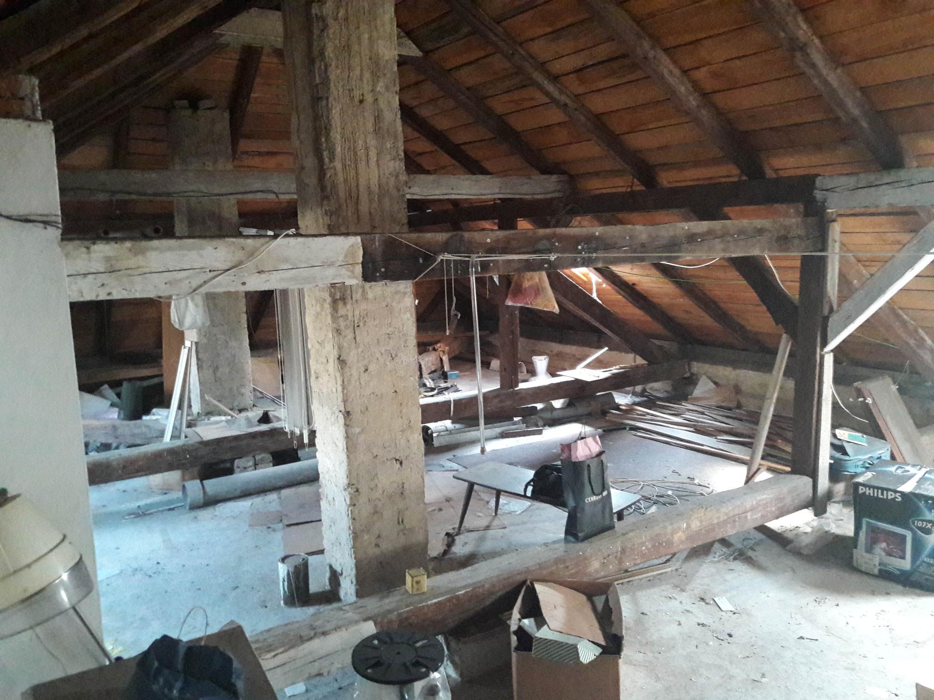 Prestavba podkrovia zo sedlovo valbovej na sedlovú strechu. - Obrázok č. 3