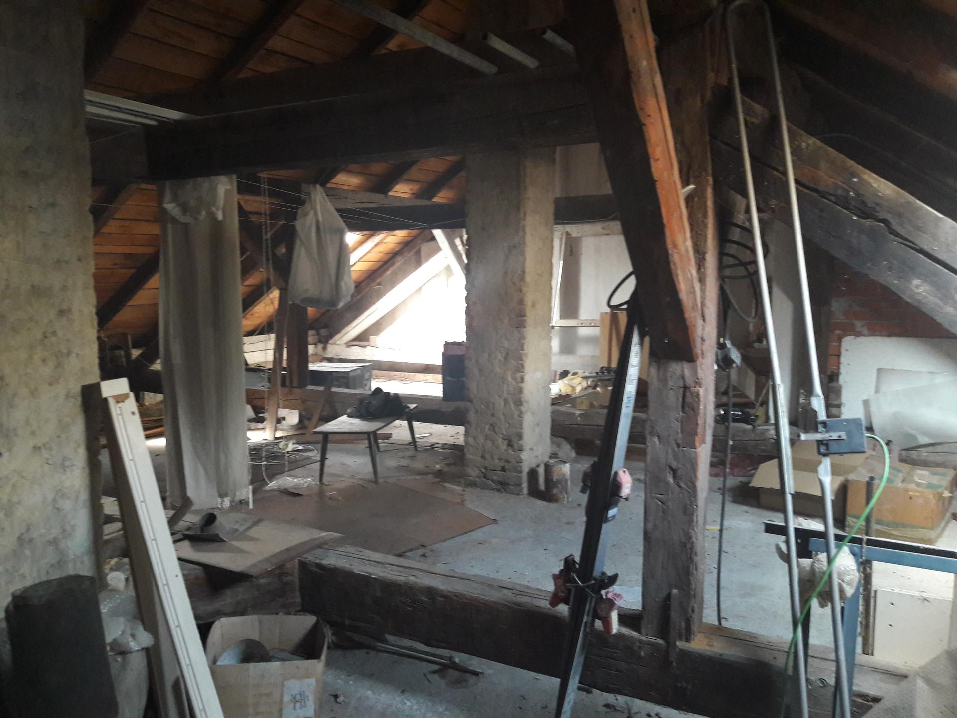 Prestavba podkrovia zo sedlovo valbovej na sedlovú strechu. - Obrázok č. 4