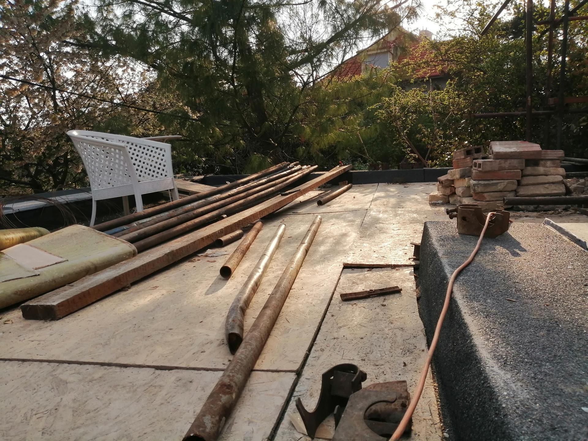 Prestavba podkrovia zo sedlovo valbovej na sedlovú strechu. - Obrázok č. 16