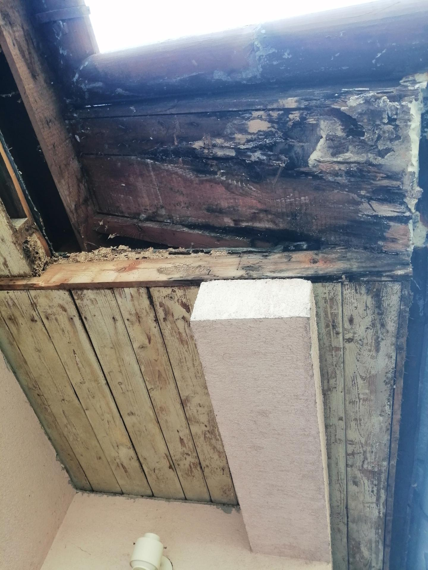 Prestavba podkrovia zo sedlovo valbovej na sedlovú strechu. - Obrázok č. 24