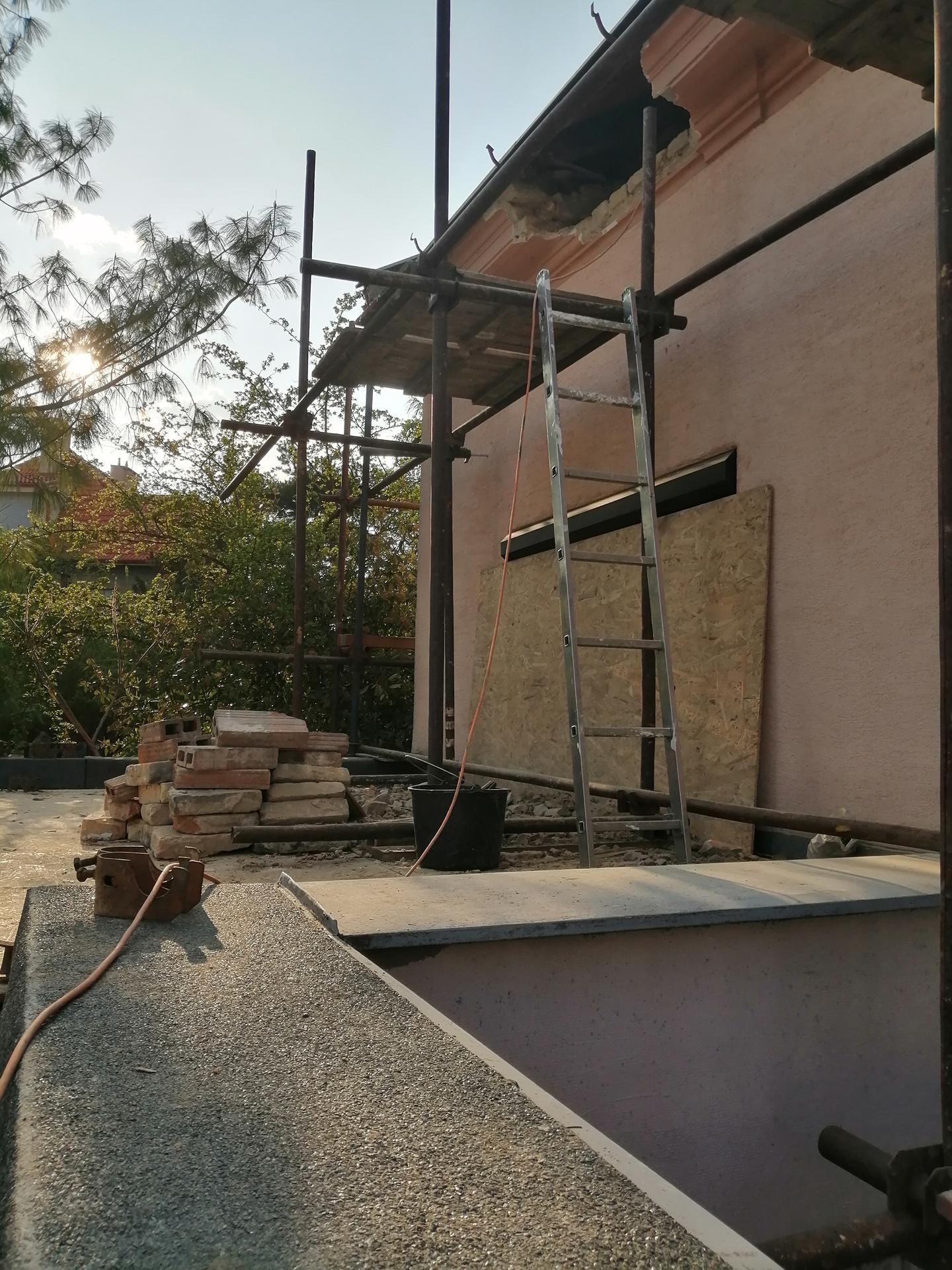 Prestavba podkrovia zo sedlovo valbovej na sedlovú strechu. - Obrázok č. 26