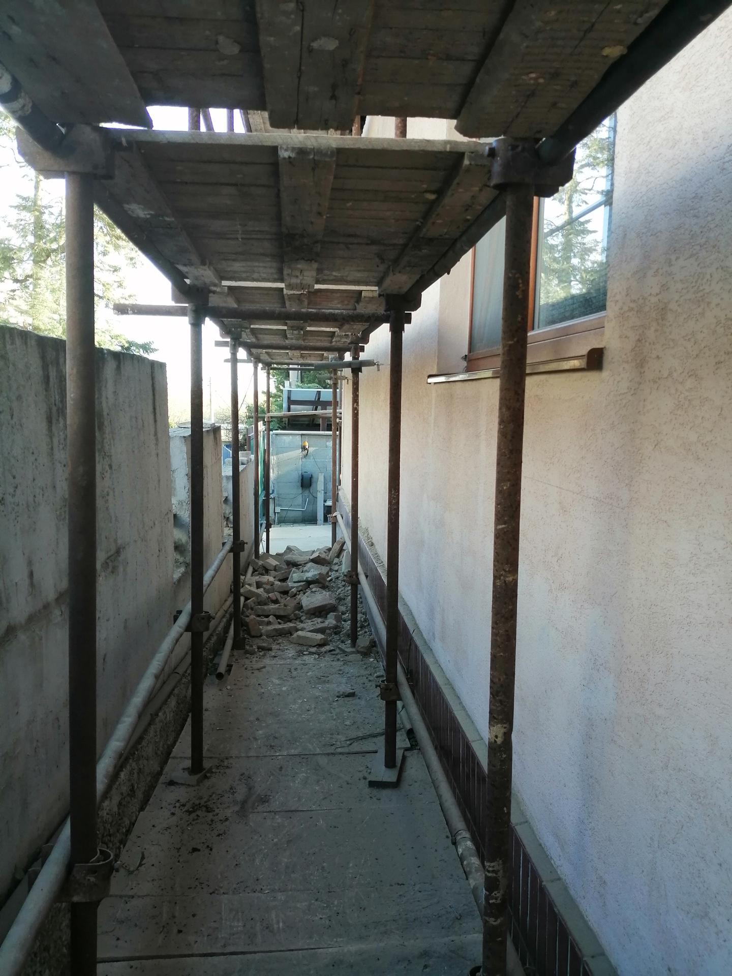 Prestavba podkrovia zo sedlovo valbovej na sedlovú strechu. - Obrázok č. 37