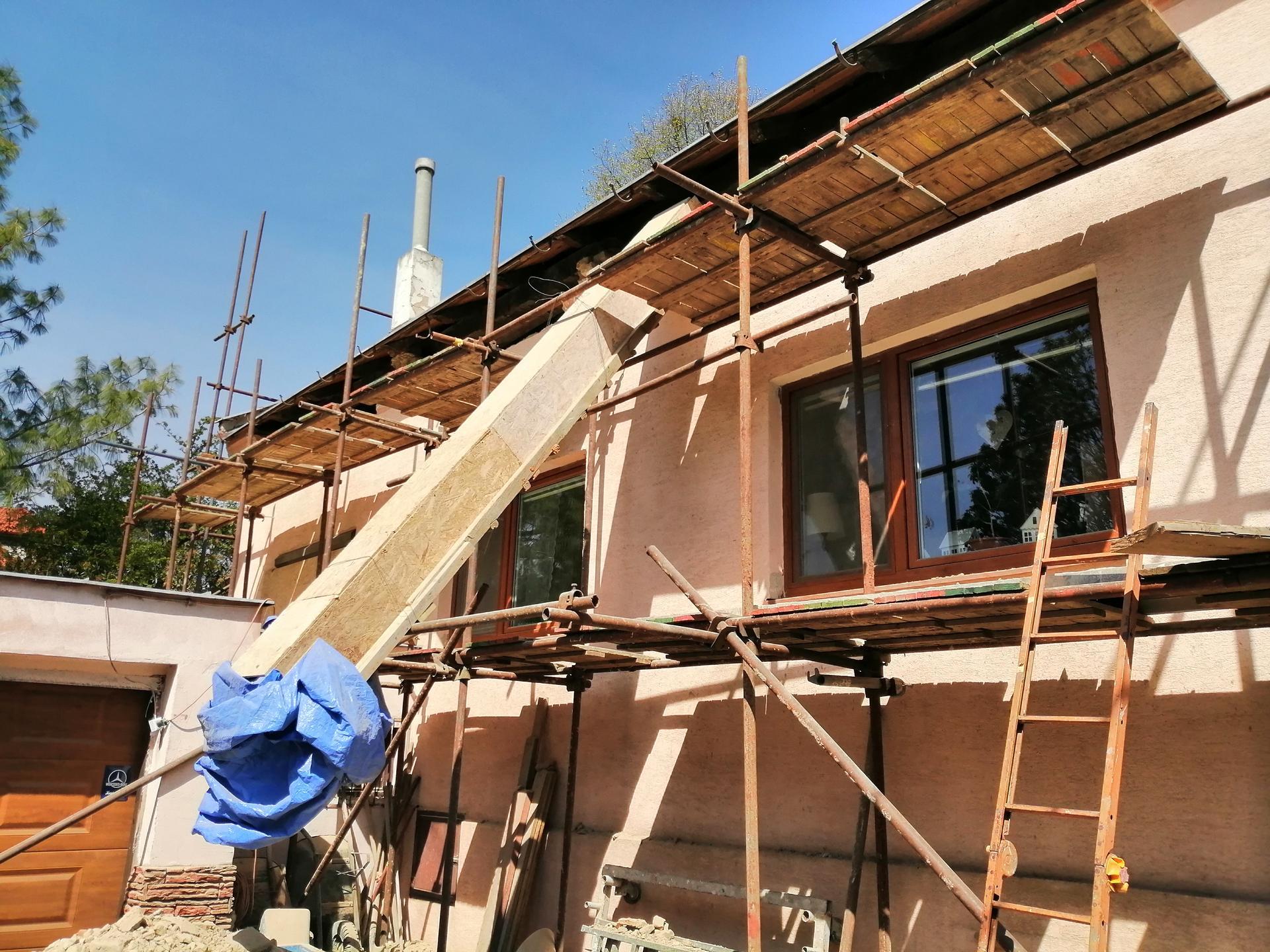 Prestavba podkrovia zo sedlovo valbovej na sedlovú strechu. - Obrázok č. 40