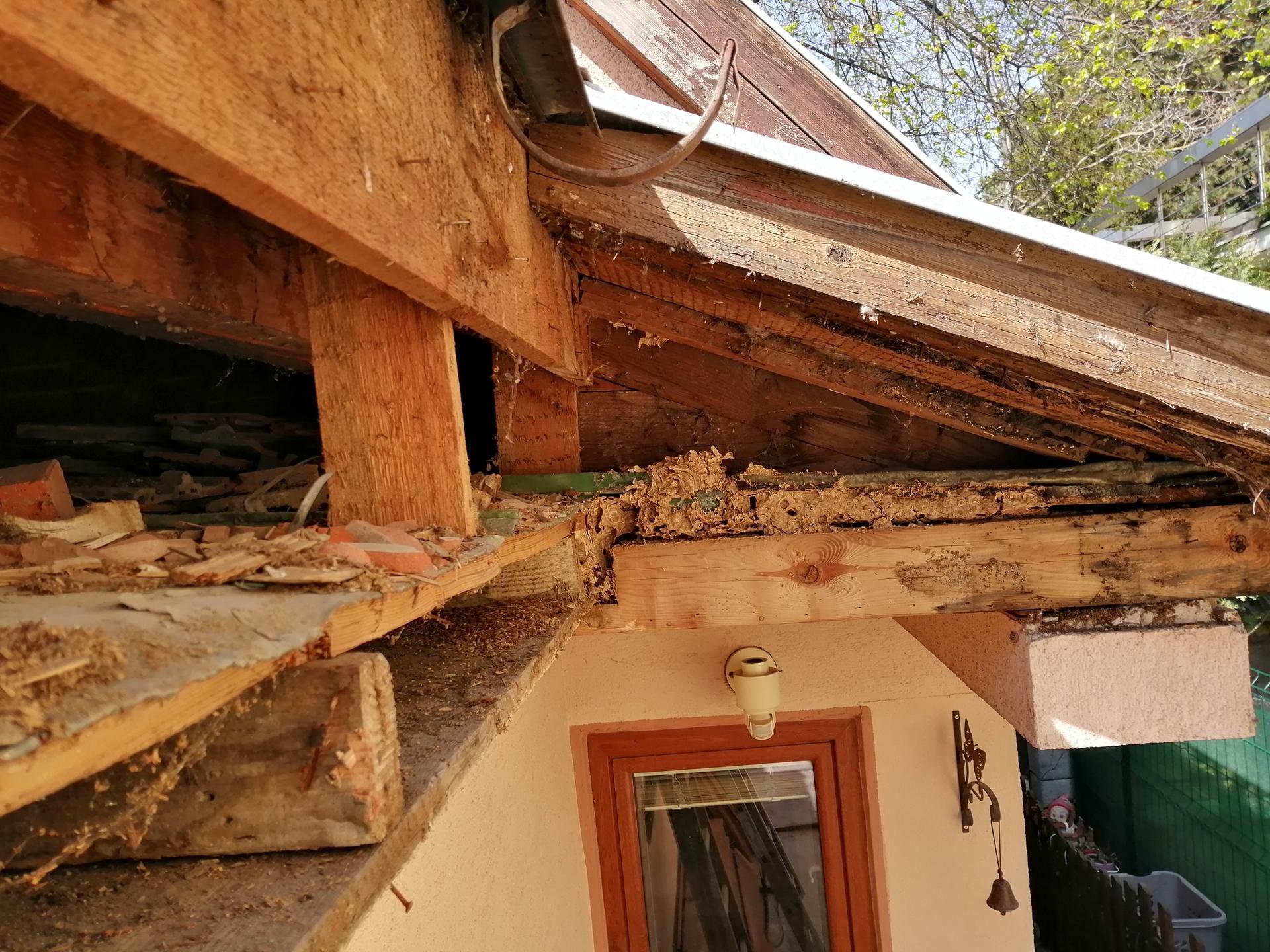 Prestavba podkrovia zo sedlovo valbovej na sedlovú strechu. - Obrázok č. 41