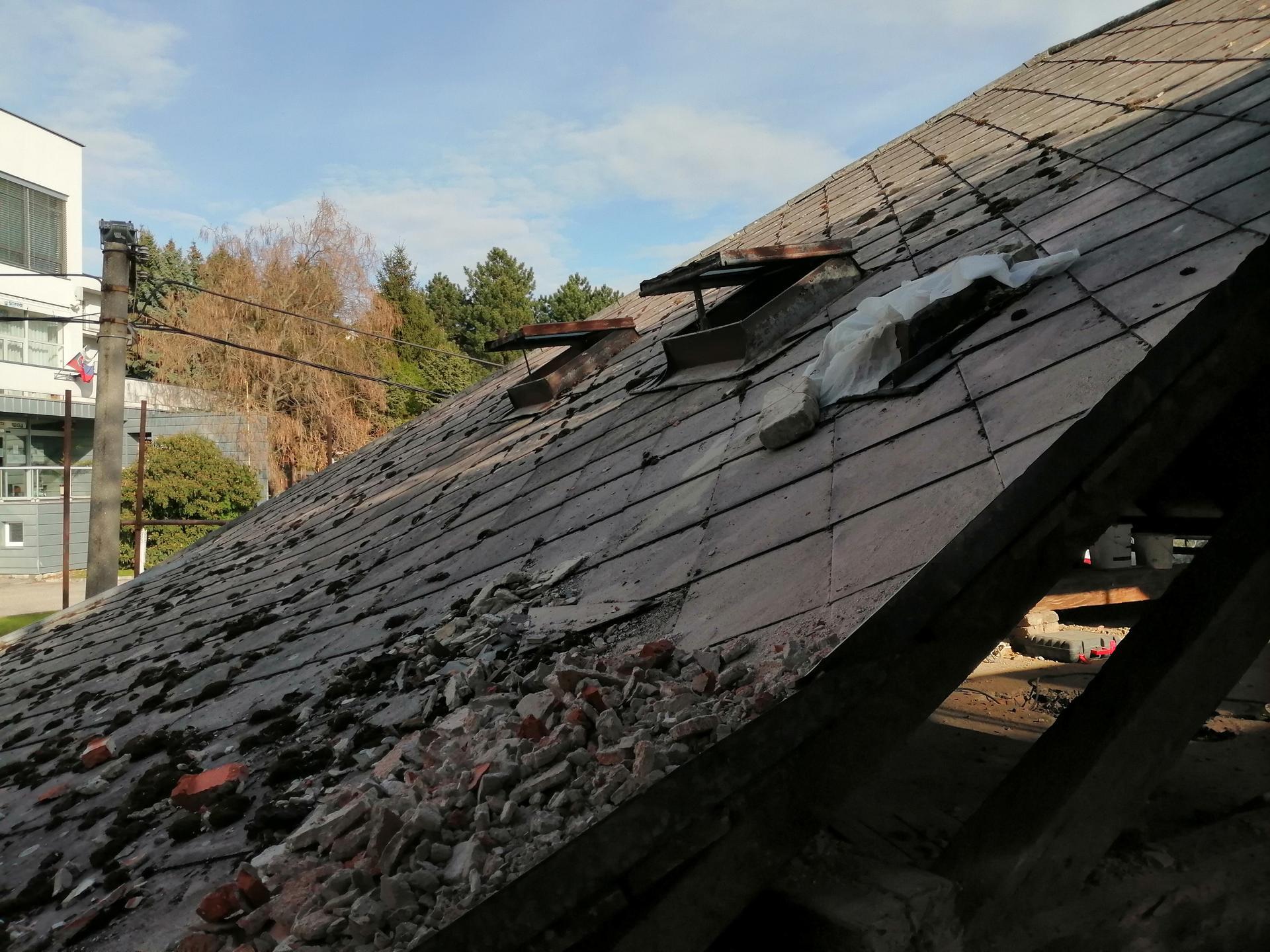 Prestavba podkrovia zo sedlovo valbovej na sedlovú strechu. - Obrázok č. 45