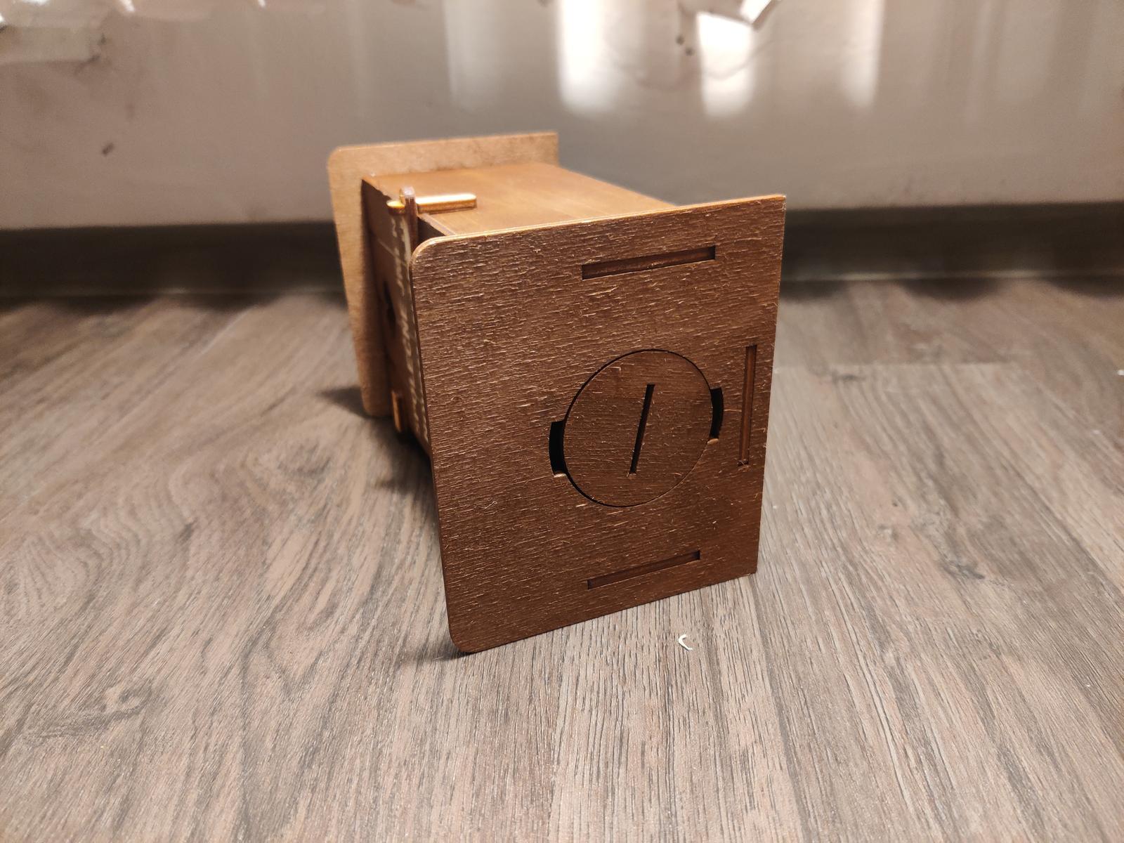 Kasička ve tvaru kadibudky - Obrázek č. 3
