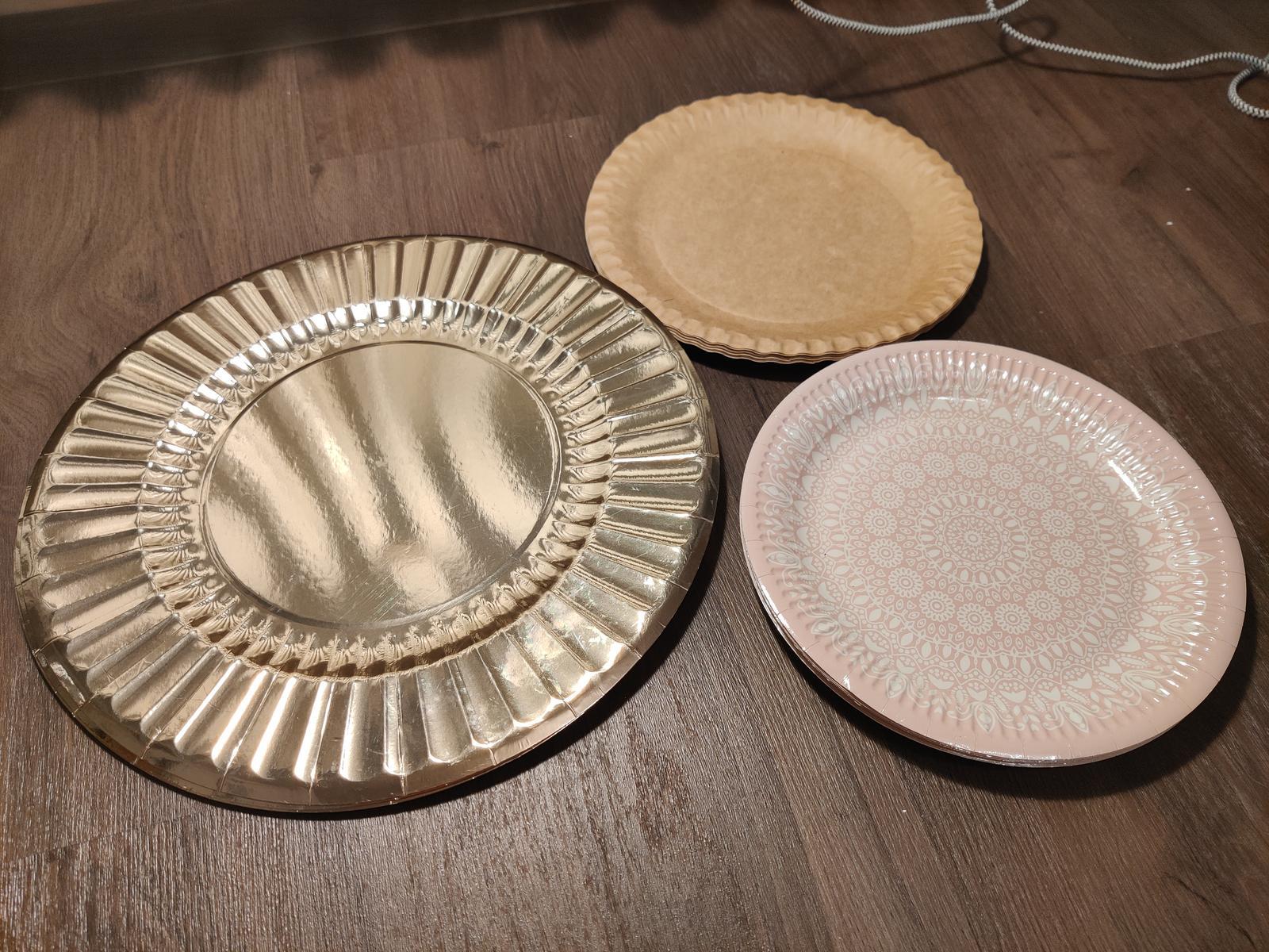 Papírové talíře - zbytky - Obrázek č. 1