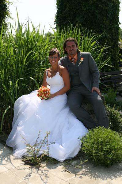 Pavla Vavrušová{{_AND_}}Pepa Klemenc - Naše první fotka jako novomanželé!!!