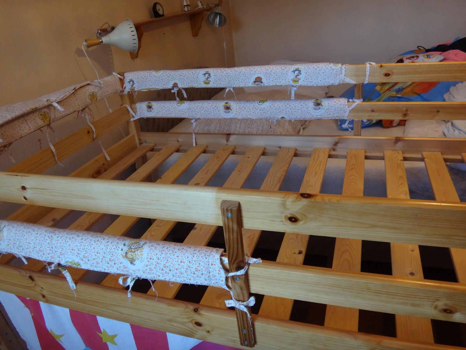 drevená vyvýšená posteľ s bunkrom - Obrázok č. 4