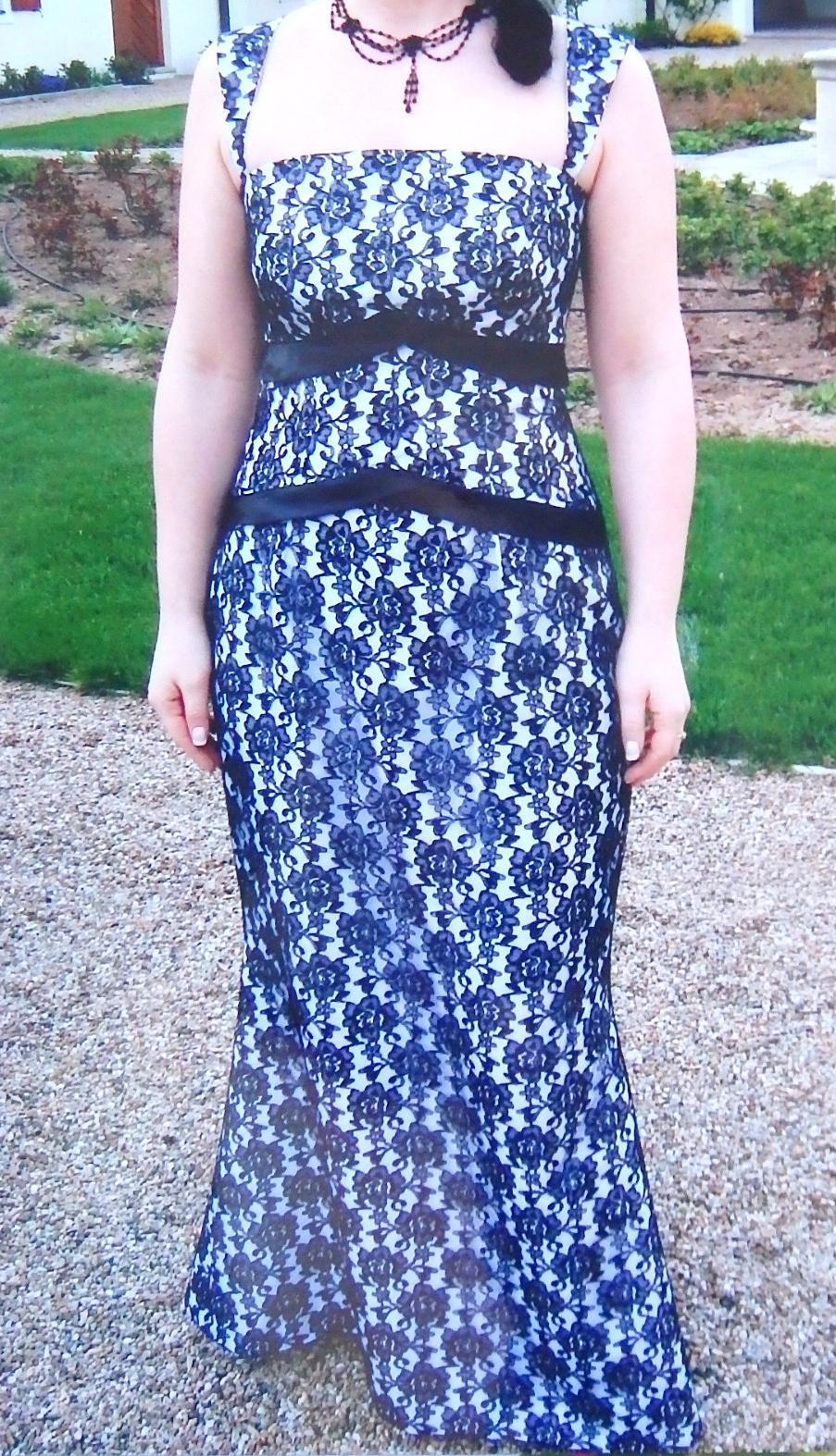 Exkluzívne čipkované šaty - Obrázok č. 1