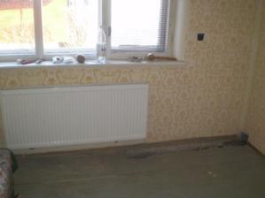 ...nové na stenu- to je v kuchyni, už viem, kde sa budem opierať najčastejšie:)))