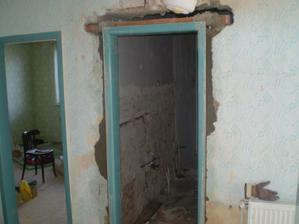 zárubňa na novom mieste- vchod do kúpeľne z chodby