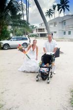 po cestě na svatební pláž