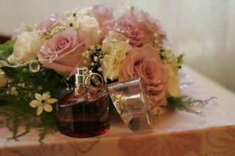 Moja kytička, parfem a naše prstienky