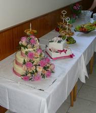 Naše svatební dortíky, jeden lepší než druhý.