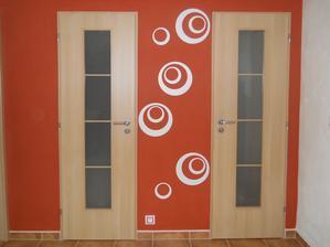 Máme dveře a kovové zárubně jsme nechali oblepit metodou Portas