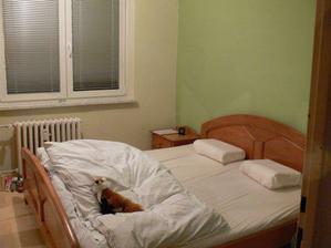Naše ložnice připravená k první noci v bytečku :-)
