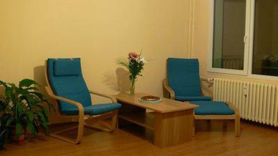 14. 10. 2008 jsme si koupili křesla a konferenční stolek :-)