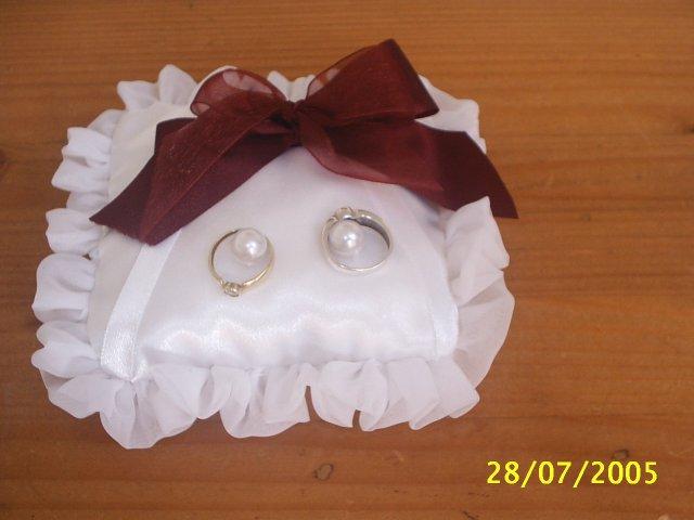 Přípravy na 13. srpen - polštářek na snubní prstýnky (tyto jsou jen zkušební)