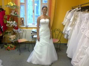 moje šaty... prozatím :-)
