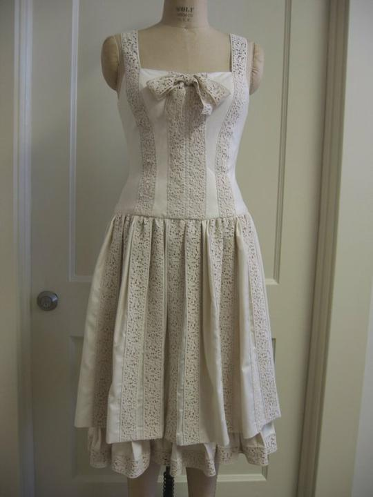 Green wedding:-) - Šaty z biobavlny...zajímavě řešené