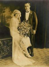 I dříve se nosily kratší svatební šaty:-)