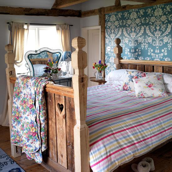 Co se nám líbí - Masivní postel