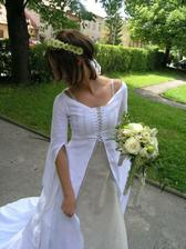 Lněné svatební šatičky
