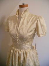 Tak tyto šaty se mi momentálně hrozně líbí, a ta barva... je prostě krásná:-)