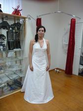 V životě první svatební šaty na mně ;-)