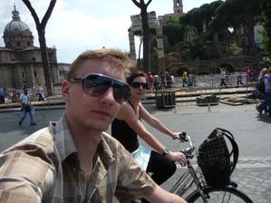 na kolech celým Římem ;-)