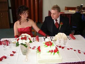Náš stůl a dortík