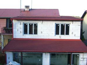 Konečně střechaaaaaaaa,jen nešla udělat stejná jako na zbytku domu,co se dělala cca 7 let před tím