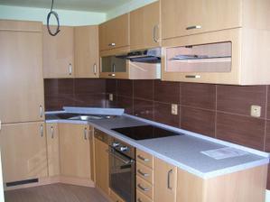 tchýně má už novou kuchyni dole :o)