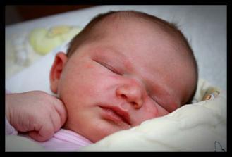 1.6.2011 v 4,13 hod se narodila Anička
