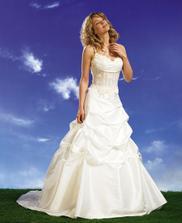 zatím se ve svatebních šatech nedokážu představit:)