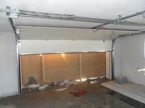 garazova brana z vnutra