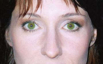 Bride with Colour Contact Lenses