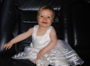 Groom's niece in limo