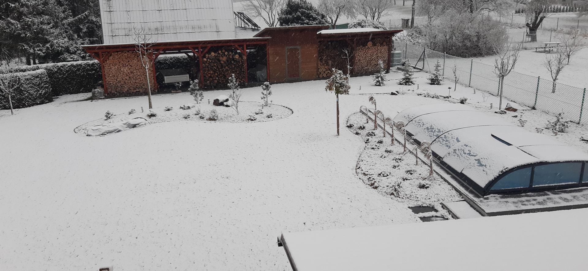 Zahrada 2020 - První sníh 29.11.2020