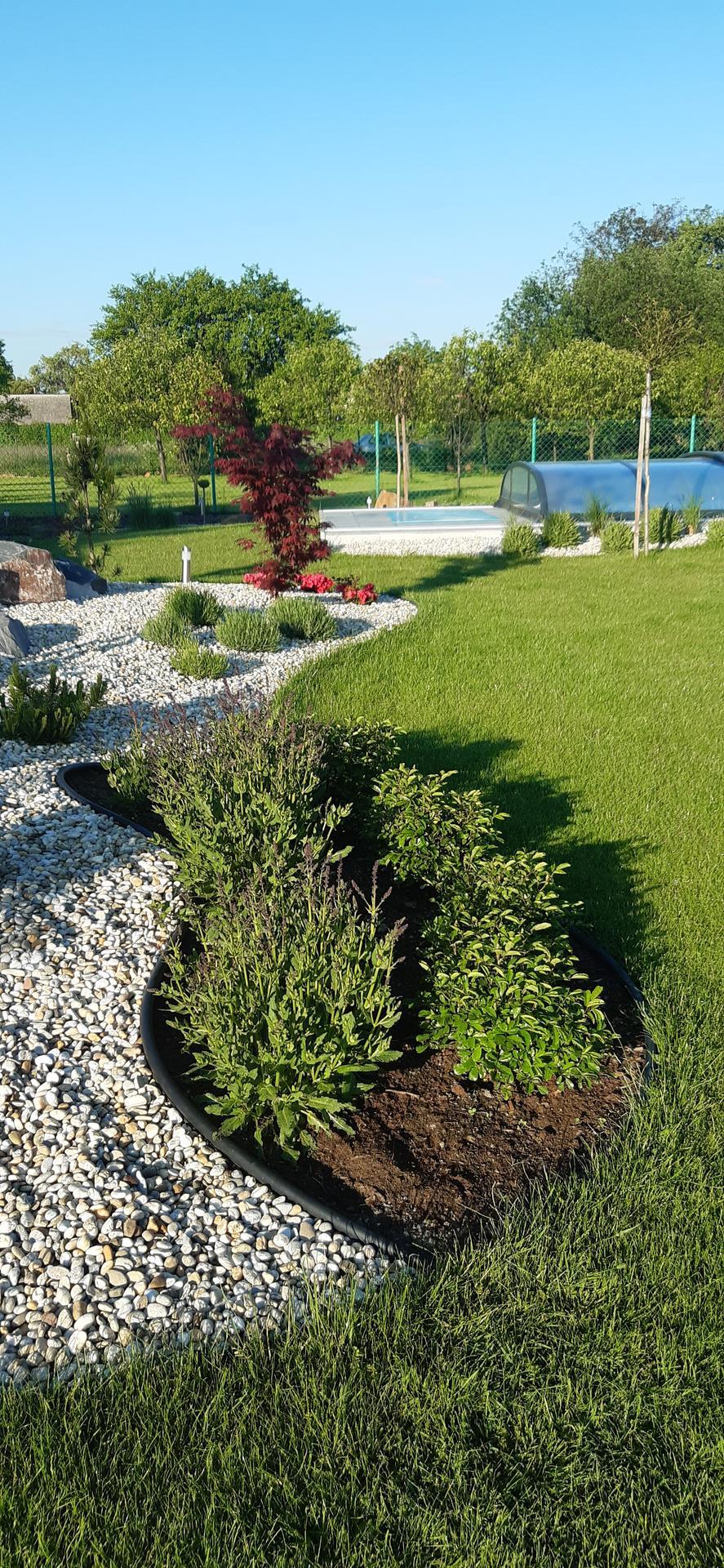 Zahrada 2021 - Konečně snad bude slunečný den ...